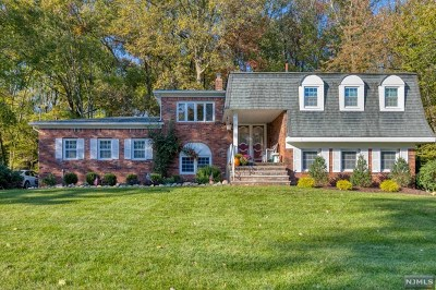 Mahwah Single Family Home For Sale: 386 Forest Road