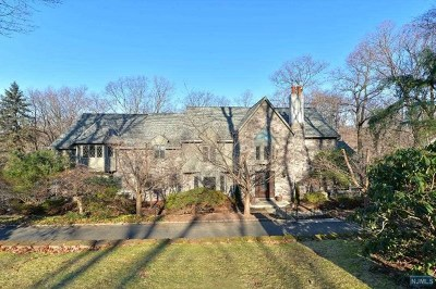 Saddle River Single Family Home For Sale: 35 West Church Road