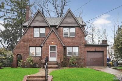 Teaneck Single Family Home For Sale: 948 Prince Street