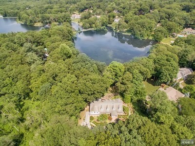 Franklin Lakes Single Family Home For Sale: 935 Old Mill Road