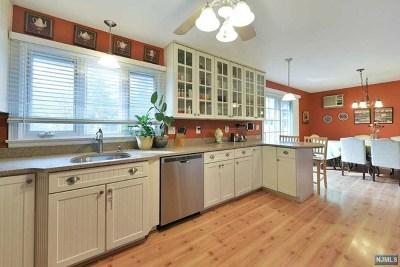 Hillsdale Single Family Home For Sale: 401 Kinderkamack Road