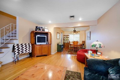 Edgewater Single Family Home For Sale: 21 A Edgewater Place