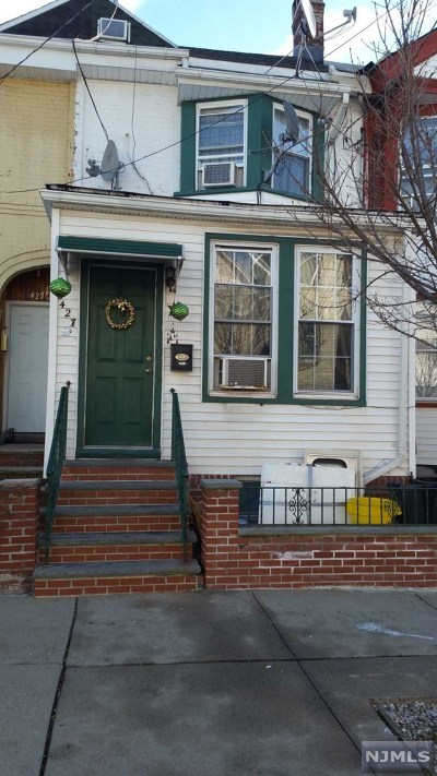 East Newark NJ Single Family Home For Sale: $279,000