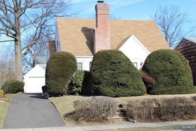 Bergenfield Single Family Home For Sale: 177 West Clinton Avenue