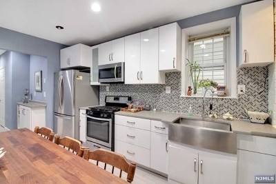 West New York Condo/Townhouse For Sale: 414 59th Street #1