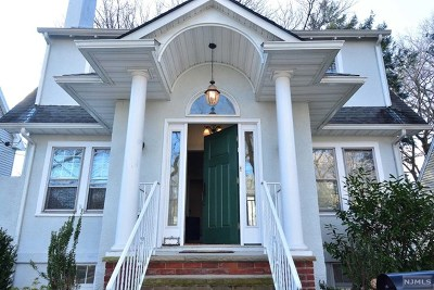 Teaneck Single Family Home For Sale: 122 Griggs Avenue
