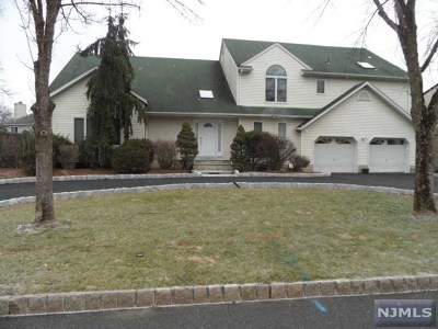 Paramus Single Family Home For Sale: 606 Mill Run