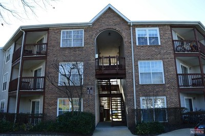 Fort Lee Condo/Townhouse For Sale: 156 Lynette Drive