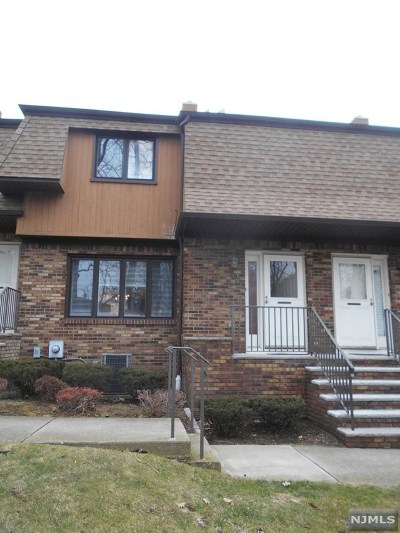 Clifton Condo/Townhouse For Sale: 70 River Road #D-3