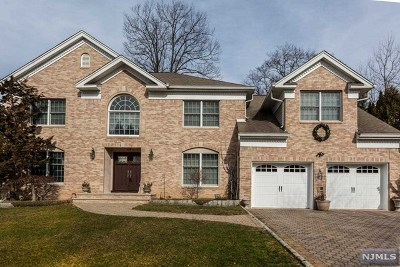 Woodcliff Lake Single Family Home For Sale: 26 Stonewall Court