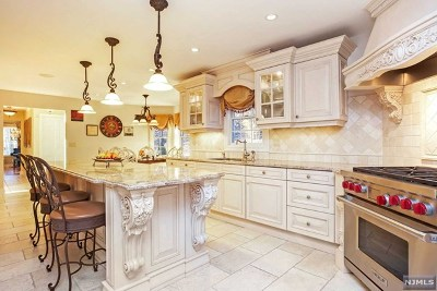 Wayne Single Family Home For Sale: 3 Vizcaya Court