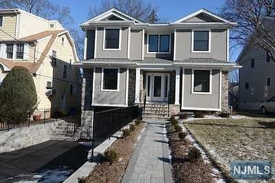 Teaneck Single Family Home For Sale: 285 Frances Street