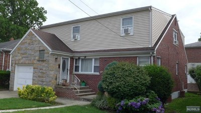 Fort Lee Single Family Home For Sale: 250 Forest Road