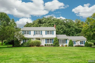 Mahwah Single Family Home For Sale: 29 Vanderbeck Lane