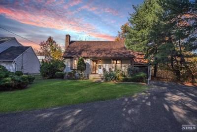 Oradell Single Family Home For Sale: 438 Argyle Street