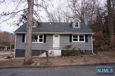 Ringwood Single Family Home For Sale: 2 Oakwood Drive
