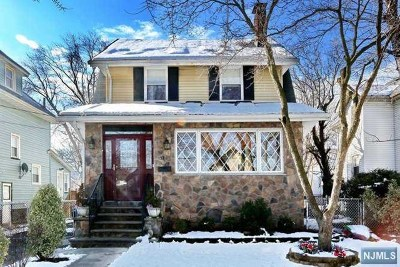 Ridgefield Park Single Family Home For Sale: 137 Union Place