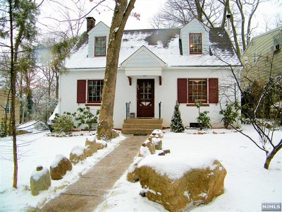Wyckoff Single Family Home For Sale: 282 Voorhis Avenue