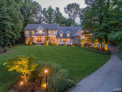 Upper Saddle River Single Family Home For Sale: 14 Harvey Lane
