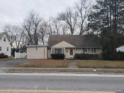 Cresskill Single Family Home For Sale: 566 Knickerbocker Road