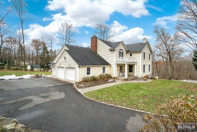 Upper Saddle River Single Family Home For Sale: 6 Stevenson Lane