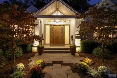 Ridgewood Single Family Home For Sale: 399 Glenwood Road