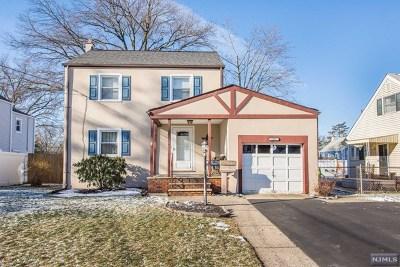 Pompton Lakes Single Family Home For Sale: 1310 Lincoln Avenue