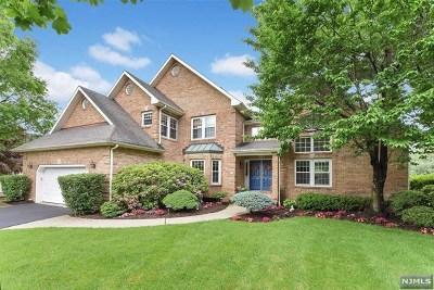 Wayne Single Family Home For Sale: 92 Sturbridge Circle