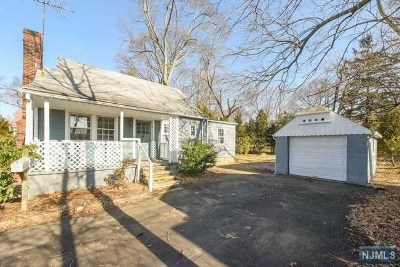 Wyckoff Single Family Home For Sale: 310 Godwin Avenue