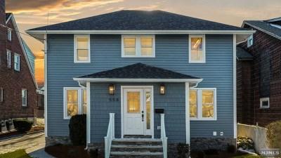 Lyndhurst Single Family Home For Sale: 558 Park Place