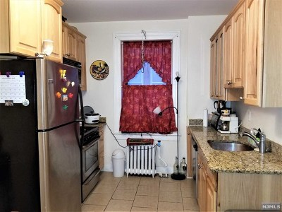 North Bergen Condo/Townhouse For Sale: 331 79th Street #15