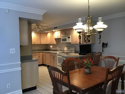 Woodland Park Condo/Townhouse For Sale: 6 Taylor Lane #6