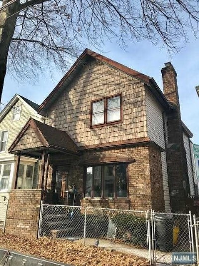 Clifton Single Family Home For Sale: 270 Burgess Place
