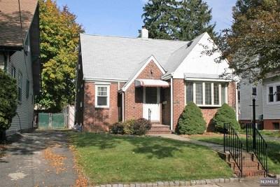 Bogota Single Family Home For Sale: 137 Elmwood Avenue