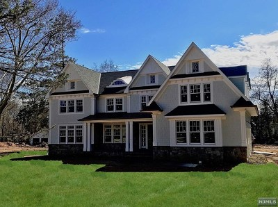 Wyckoff Single Family Home For Sale: 453 Wyckoff Avenue