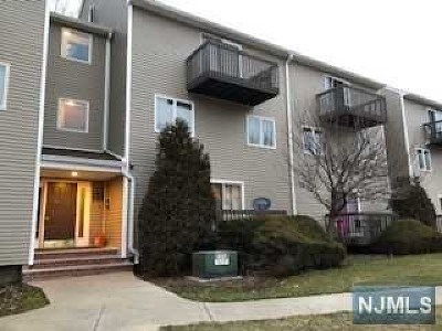 Englewood Condo/Townhouse For Sale: 97 Presidential Drive