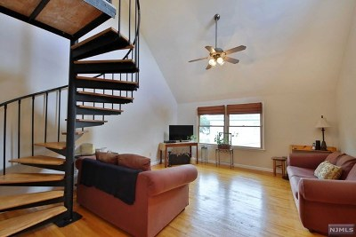 New Milford Condo/Townhouse For Sale: 133 Center Street #G
