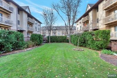 Lyndhurst Condo/Townhouse For Sale: 651 Riverside Avenue #A7