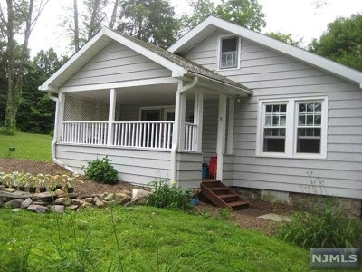 West Milford Single Family Home For Sale: 3 Willow Lane