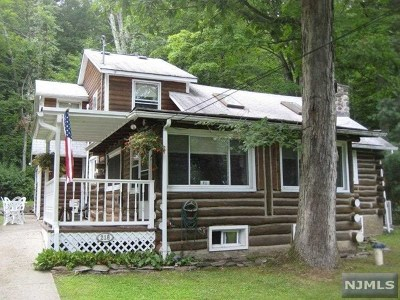West Milford Single Family Home For Sale: 218 Bearfort Road