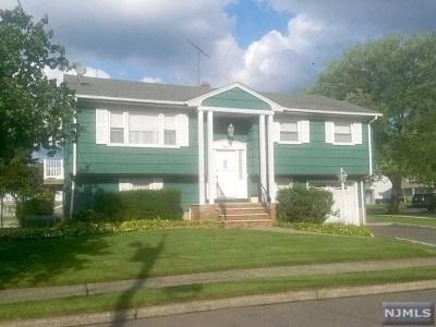 Saddle Brook Single Family Home For Sale: 12 Lyndon Place