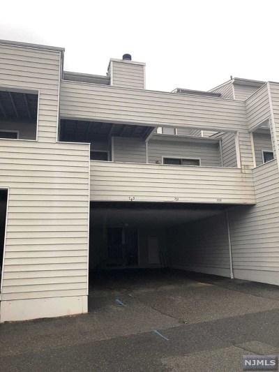 Secaucus Condo/Townhouse For Sale: 723 Mainsail Lane #723