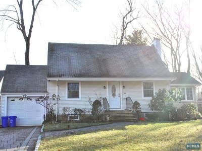 Tenafly Single Family Home For Sale: 36 Coleman Terrace