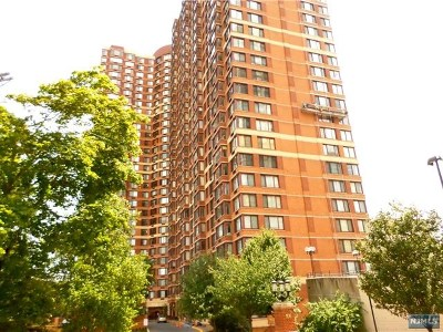 Fort Lee Condo/Townhouse For Sale: 100 Old Palisade Road #Ph6