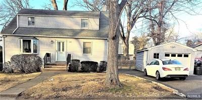 Dumont Single Family Home For Sale: 100 Wyandotte Avenue