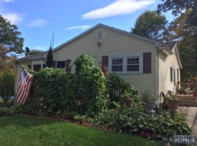 West Milford Single Family Home For Sale: 10 Kingsland Road