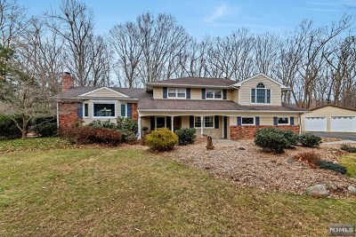 Mahwah Single Family Home For Sale: 5 Deerfield Terrace