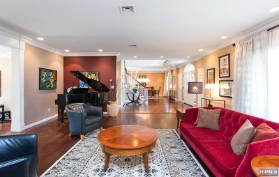 Fort Lee Single Family Home For Sale: 1010 Dearborn Road