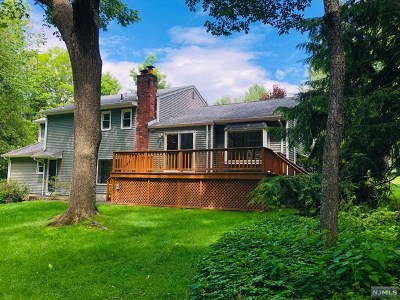 Franklin Lakes Single Family Home For Sale: 622 Knollwood Road