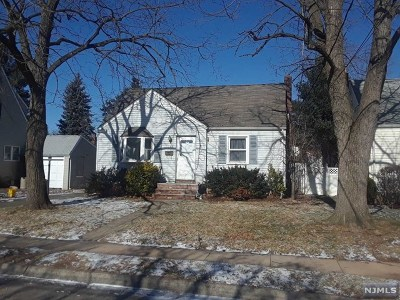 Bergenfield Single Family Home For Sale: 133 Vreeland Avenue